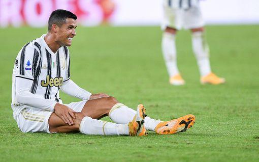 Cristiano Ronaldo livisti koronaeristyksestä – jopa oikeustoimet uhkaavat