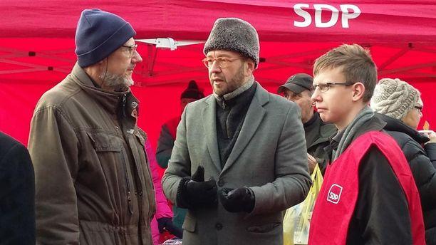 Yhdeksi mahdolliseksi Rinteen haastajaksi on veikattu Timo Harakkaa.