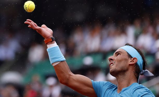 Rafael Nadal menetti ensimmäistä kertaa kolmeen vuoteen erän vastustajalle Ranskan avoimissa.