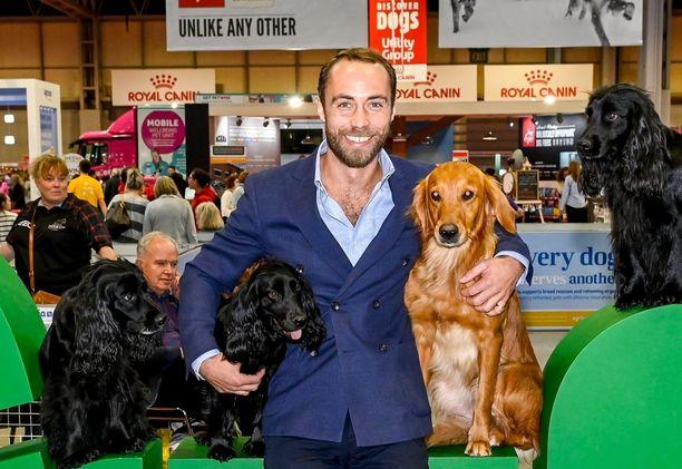 James Middleton rakastaa koiria.