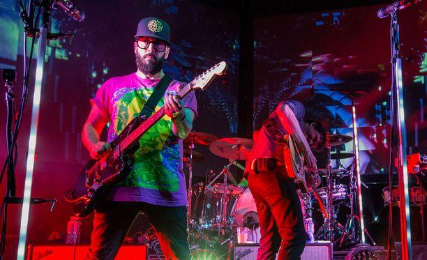 OK Go esiintymässä Las Vegasissa huhtikuussa 2015.