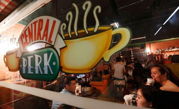 Tuontoyhtiö on saanut oikeudet käyttää Central Perk -logoa kahvilatoiminnassa.