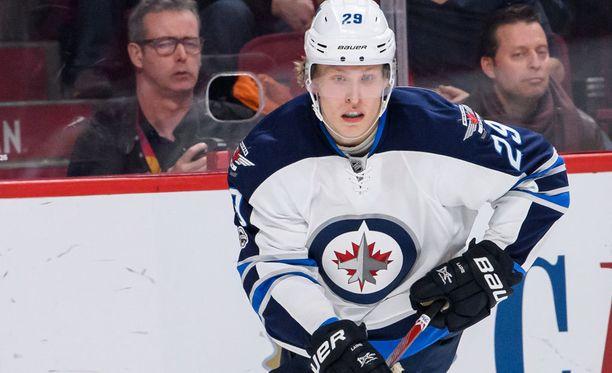 Winnipg Jetsin Patrik Laine saavuttaa jatkuvasti kovia merkkipaaluja NHL:ssä.