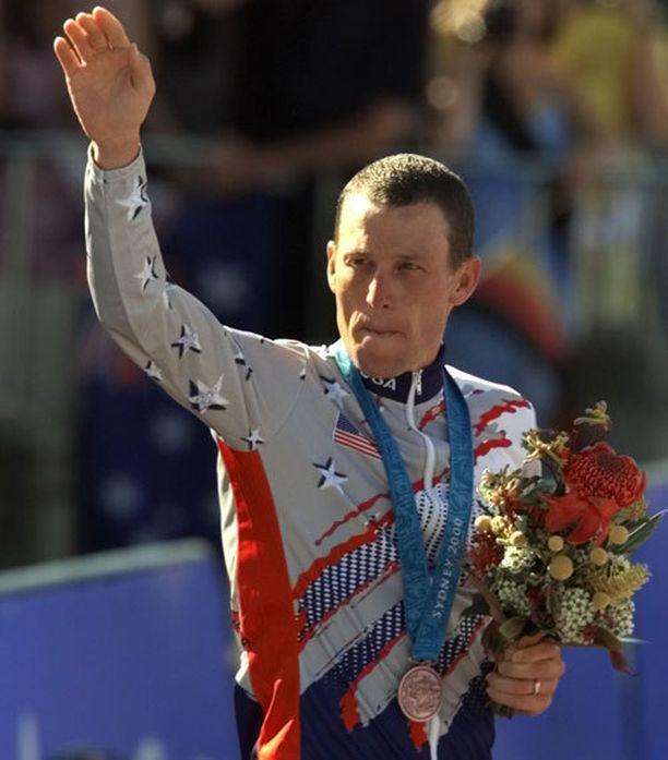 Lance Armstrong voitti pronssia aika-ajossa Sydneyn olympialaisissa.
