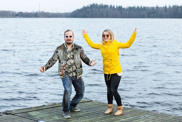 Sami ja Meira Tabellin tulevan kotiseudun värimaailma on jotain aivan muuta kuin tässä kuvassa vanhoilta kotinurkiltaan Tampereelta.