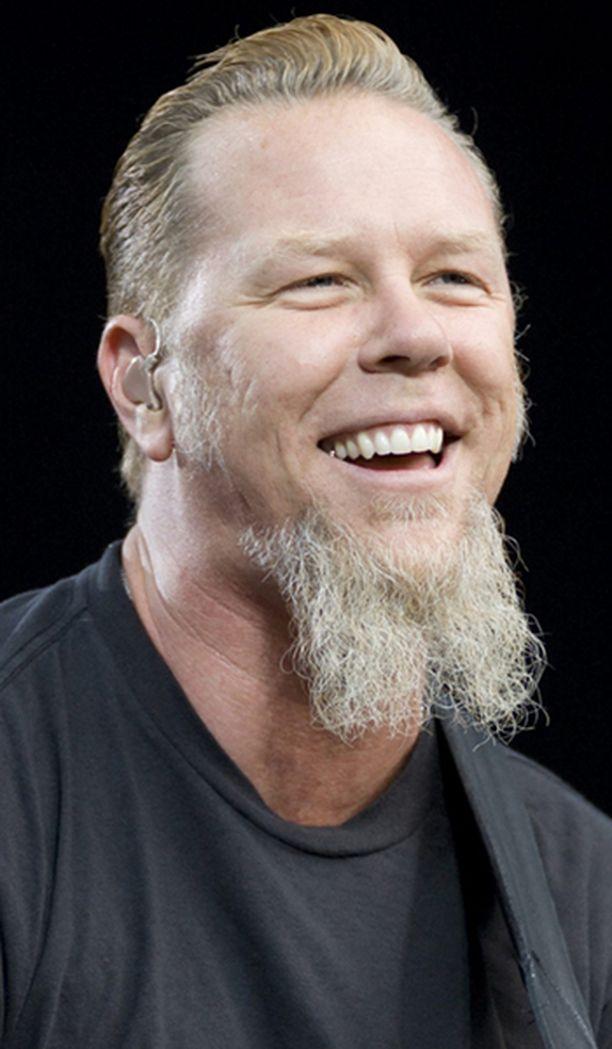 Metallican keulakuvalla James Hetfieldilla on syytä hymyyn.