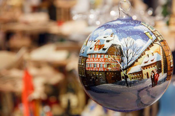 Joulukoristeet ovat tyypillisintä joulumarkkinoilla myytävää tavaraa.