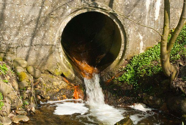 Jätevesitesteillä seurataan taudinaiheuttajien lisäksi huumausaineiden esiintymistä eri kaupungeissa.