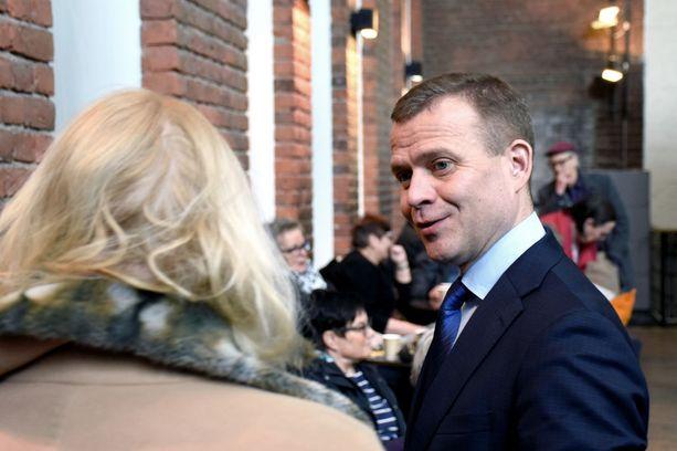 Jatkohaluistaan ilmoittanut kokoomuksen puheenjohtaja Petteri Orpo tapasi lauantaina kokoomusväen lisäksi myös tavallisia tamperelaisia.