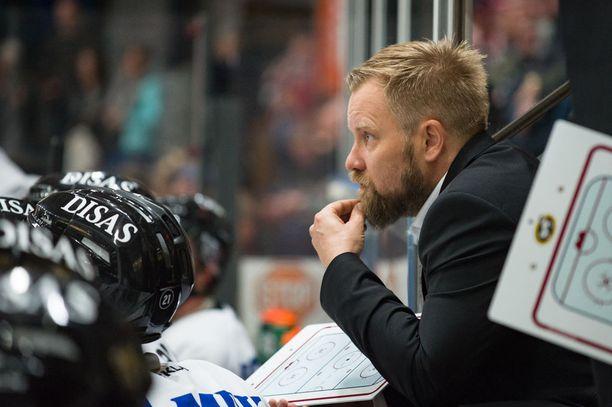 Mikko Manner on saanut lentävän lähdön uralleen liigatason päävalmentajana.