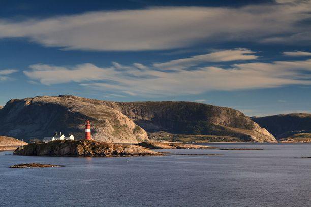 Majakka Helgelandin rannikolla.