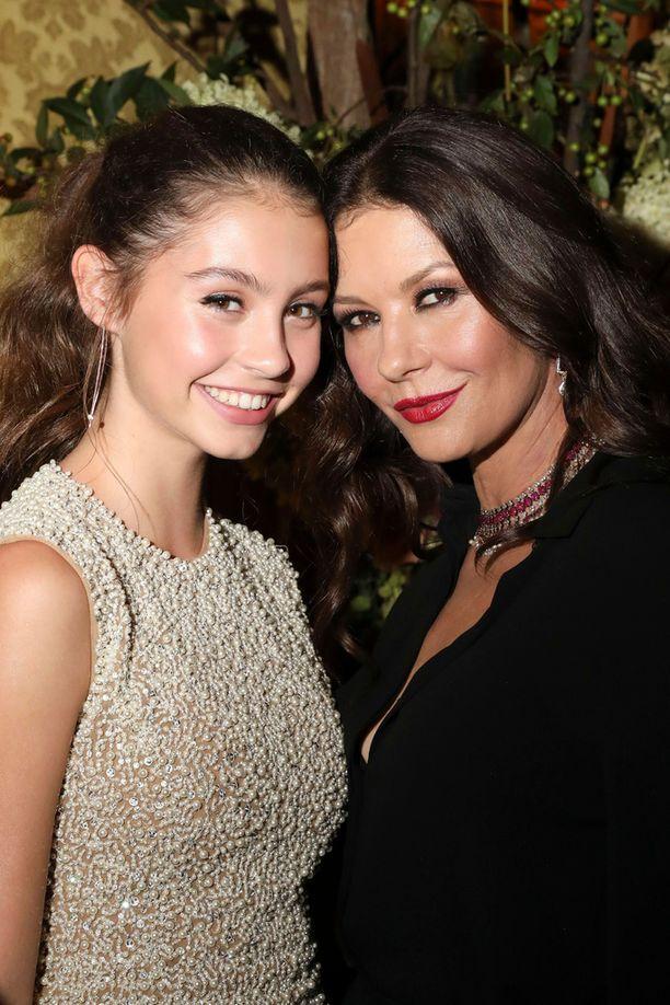 Näyttelijä Catherine Zeta-Jonesin tytär Carys haaveilee itsekin näyttelijän töistä.