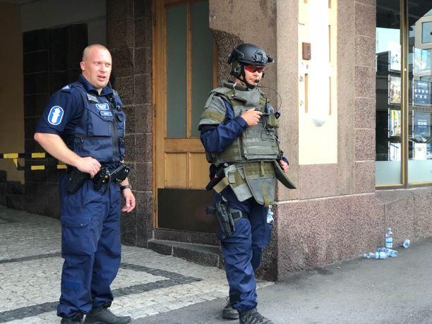 Poliisioperaatio Helsingin Kasarminkadulla elokuussa 2018.