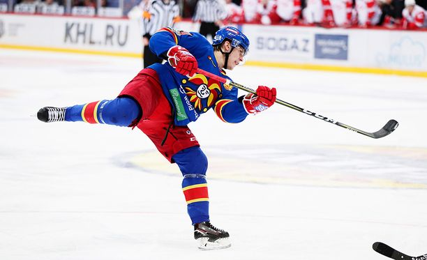 Eeli Tolvasen rannelaukaus tunnetaan nyt ympäri KHL:ää.