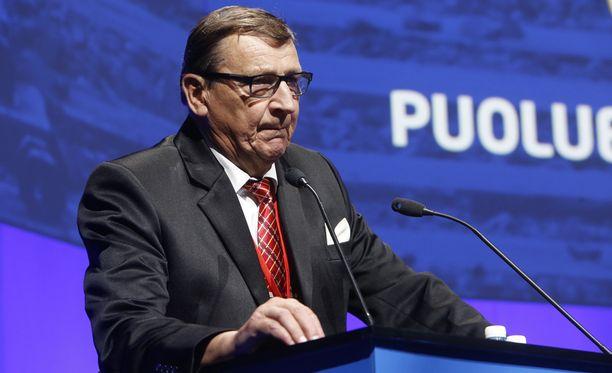 Raimo Vistbacka kannatteli perussuomalaisia pitkään puolueen ainoana kansanedustajana.