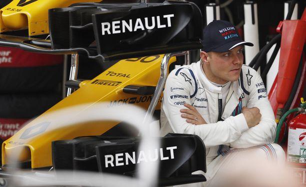 Valtteri Bottas puolustaa alkavalla F1-kaudella puhdasta sarjaansa tallikavereita vastaan.