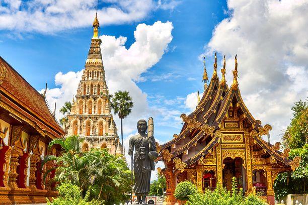 Thaimaan temppelit ja muut uskonnolliset kohteet ovat kiinnostavia nähtävyyksiä.
