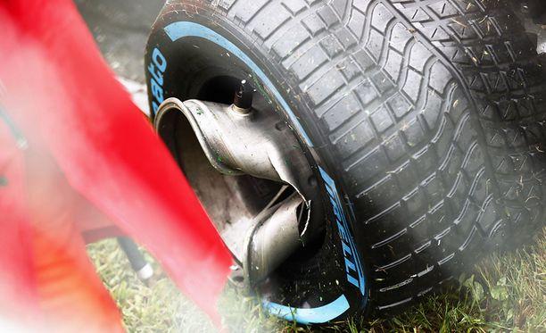 Tältä näytti Romain Grosjeanin takapyörä kolarin jälkeen.