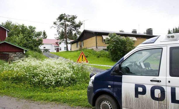 Isä ja lapset löydettiin kuvassa näkyvästä talosta.