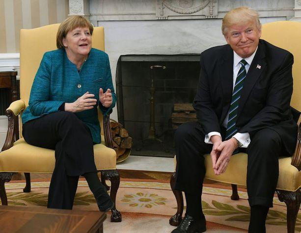 Merkelin ja Trumpin tapaamisessa koettiin kiusallinen hetki.