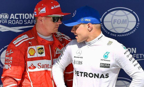 Kimi Räikkönen ja Valtteri Bottas piipahtivat tuomariston juttusilla.
