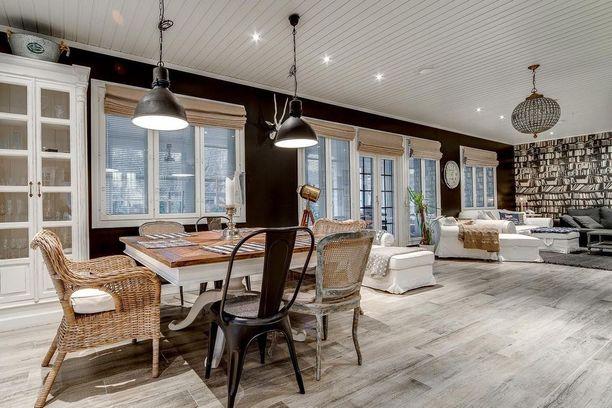 Erilaiset yhdistelmät kiehtoivat. Tässä asunnossa on yhdistelty maalaisromantiikkaa ja rouheampaa tyyliä.