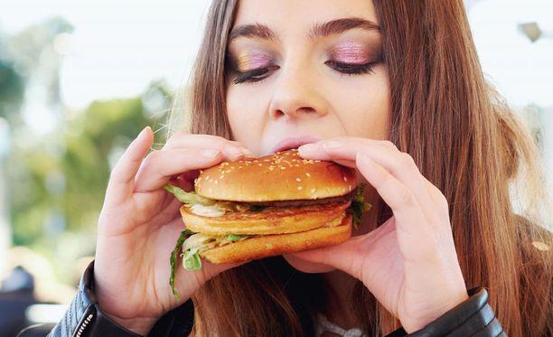 Yksi hampurilainen ei pilaa kenenkään terveyttä, mutta jokapäiväisenä ruokana se on turhan yksipuolista ruokaa.