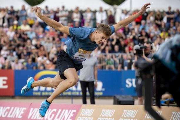 Oliver Helander kilpaili viime viikolla Paavo Nurmen kisoissa. Hän heitti 84,84.