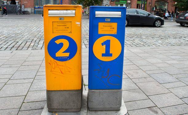 Postilaatikkoparit katoavat ensi vuonna katukuvasta.