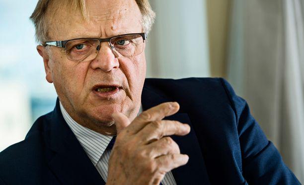 Lauri Ihalainen on istunut tuhansissa kokouksissa.