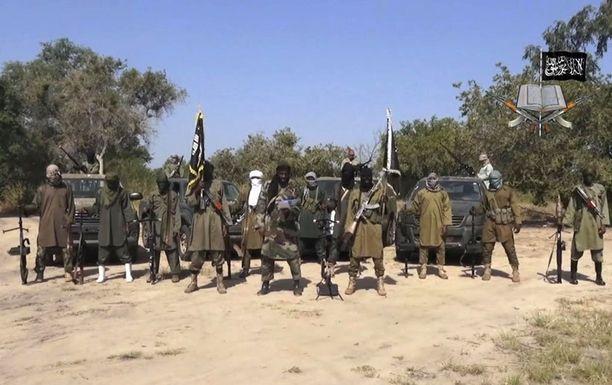 Boko Haramin taistelijoita lokakuussa 2013. Keskellä järjestön johtaja Abubakar Shekau.
