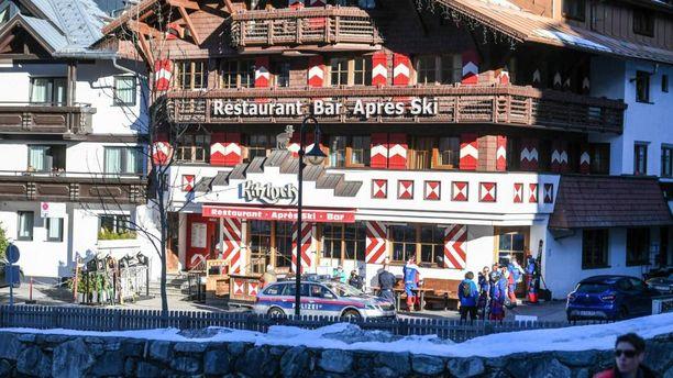 Todennäköisesti kaikkein eniten tartuntoja lähti liikkeelle Kitzloch-nimisestä after ski-baarista.