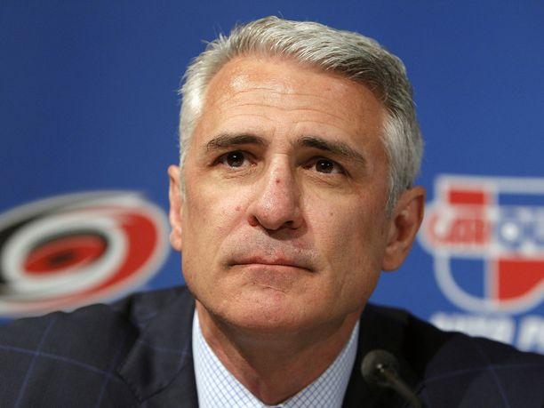 Ron Francis alkaa kasaamaan Seattlen NHL-joukkuetta.