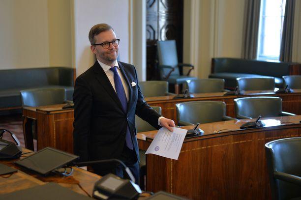 Ahvenanmaan kansanedustaja Mats Löfström uusi paikkansa eduskunnassa.