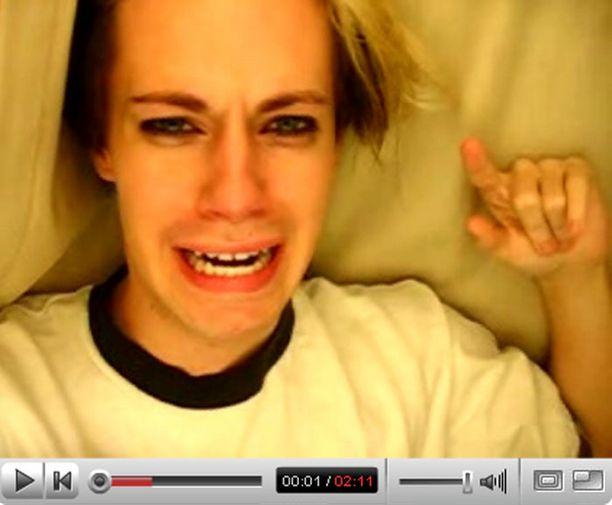 Ykkössijan vei YouTubessa nähtävillä oleva video Leave Britney Alone.