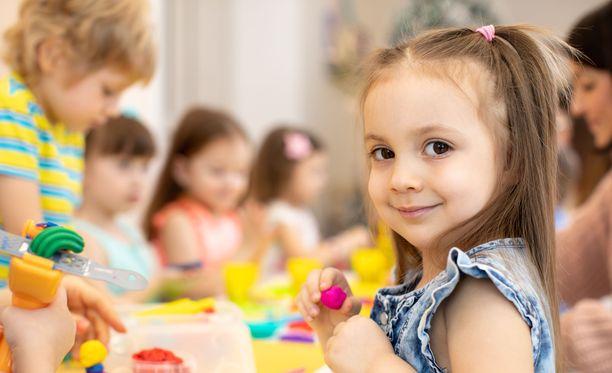Useimmat lapset sopeutuvat päiväkotiin hyvin, vaikka alku tuntuisi haastavalta.