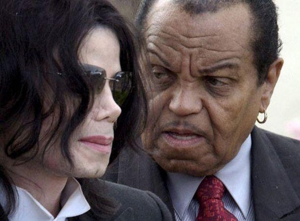 Michael Jacksonin isä Joe Jackson kasvatti perhettään tiukalla otteella.