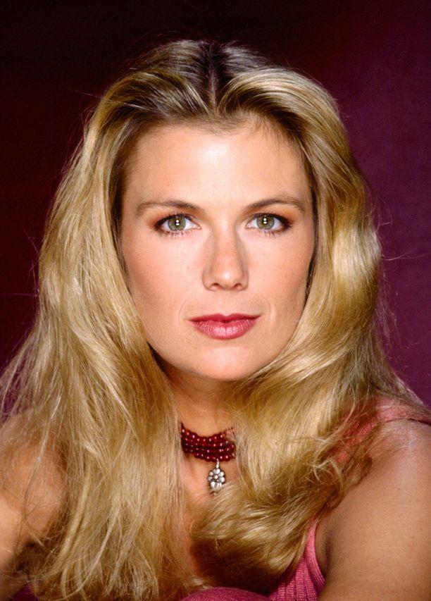 Lang aloitti Brooke Loganin roolissa vuonna 1987.