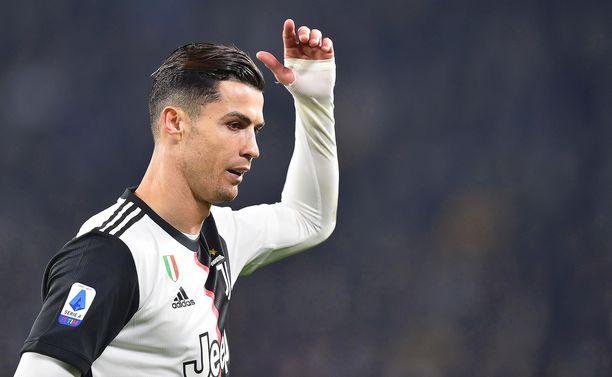Cristiano Ronaldo ei ollut tyytyväinen siihen, että hänet otettiin aikaisessa vaiheessa kentältä pois.