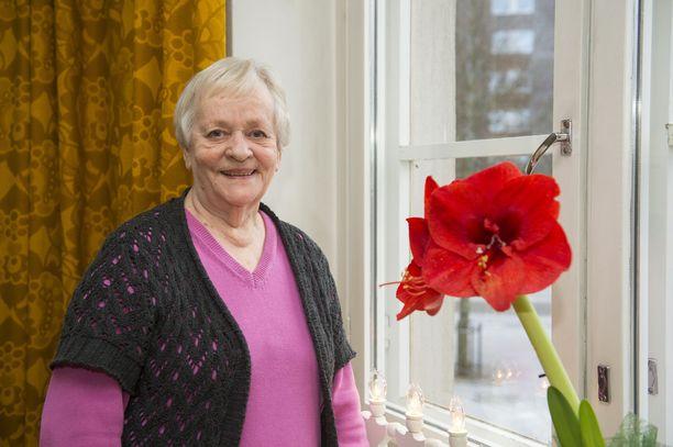 Näyttelijä Eila Roine oli Lasse Pöystin Täällä pohjan tähden alla -ohjauksen Elina.