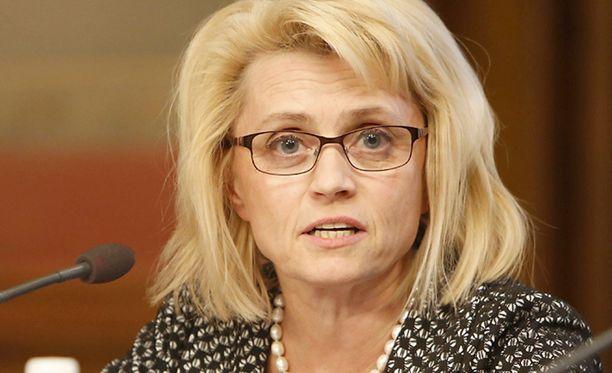 Päivi Räsänen ei olisi pystynyt jatkamaan ministerinä, jos hänen olisi pitänyt puolustaa perhepakettiesitystä.