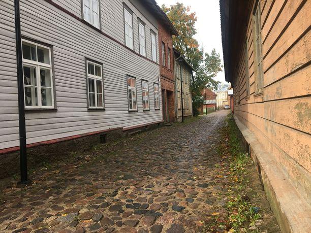 Viljandin kapeilta kaduilta löytyy pieniä kahviloita ja ravintoloita.