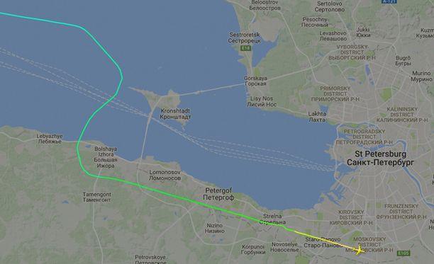 Perässä tullut Iljušin Il-96-300PU laskeutui Pulkovon lentokentälle.