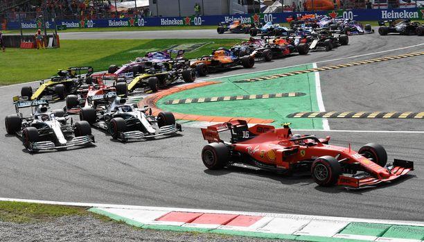 Ferrarin Charles Leclerc ajoi voittoon Monzassa toissa viikonloppuna.