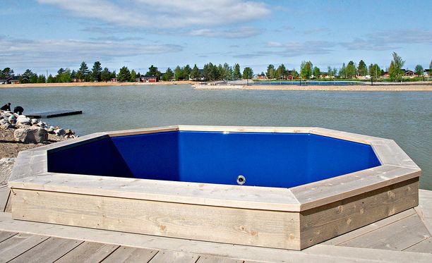Suomessa on tämän kesän aikana hukkunut kolme lasta paljuun, koristelammikkoon ja ulkoaltaaseen.