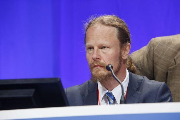 Perussuomalaisten kansanedustajaa Juho Eerolaa epäillään kiihottamisesta kansanryhmää vastaan.