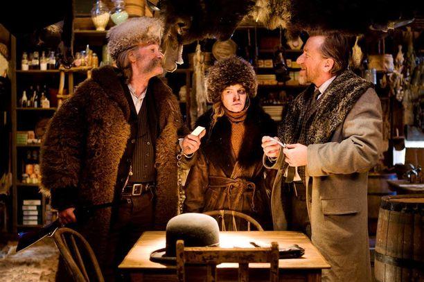 Quentin Tarantinon uutuus The Hateful Eight saa Suomen ensi-iltansa 13.1.2016. Mestariohjaajan lännenelokuva on täynnä huippunäyttelijöitä ja musiikista vastaa legendaarinen Ennio Morricone.