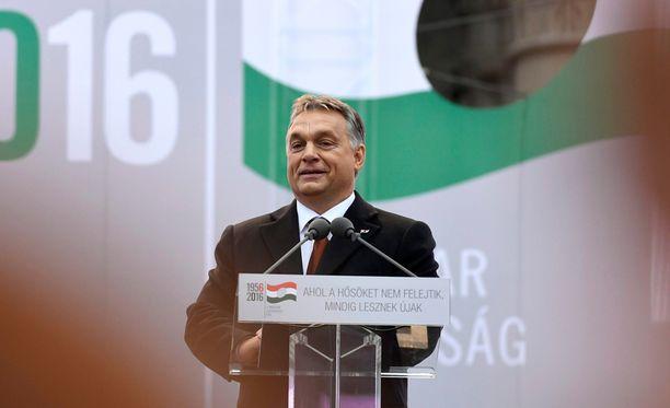 Pääministeri Viktor Orbanin ajaman muutos olisi vaatinut kahden kolmasosan enemmistön.