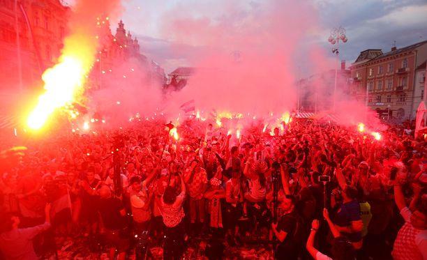Tuliset juhlat alkoivat välittömästi MM-välierän ratkettua jatkoajalla.