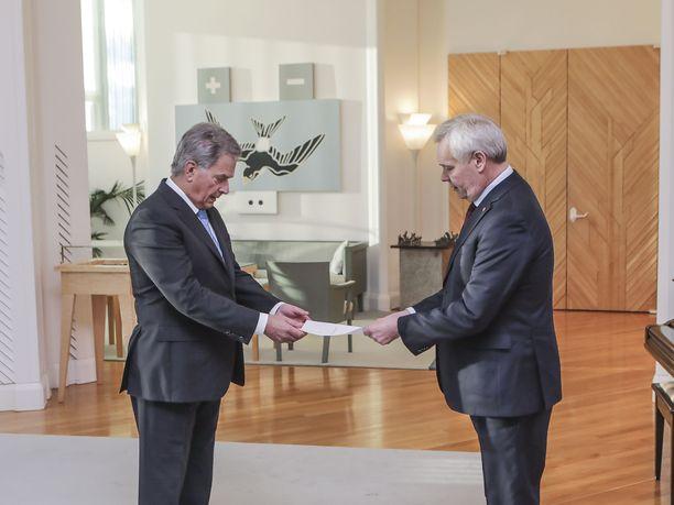 Antti Rinne jätti eronpyyntönsä presidentti Sauli Niinistölle 3.joulukuuta Posti-sotkun seurauksena.